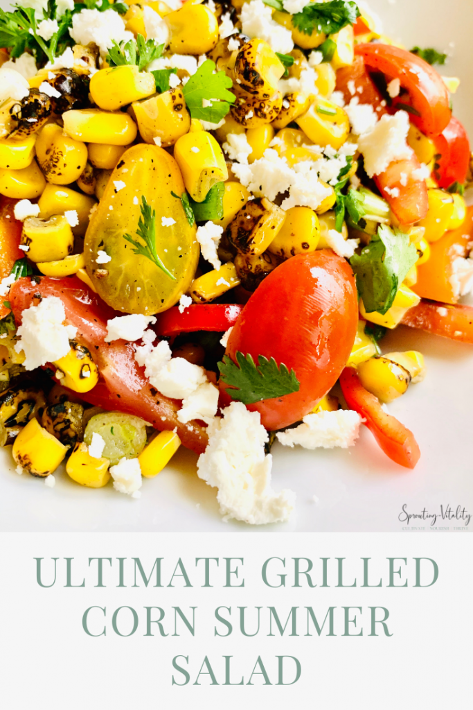 The best grilled corn summer salad you could ever whop together. Including the tastiest ingredients in every bite. Follow @sproutingvitality #kenzinthekitch #traderjoes #recipe
