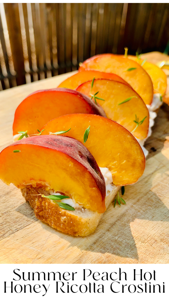 Insanely delicious summer peach ricotta toast is here to wow your taste buds! Filled with so much goodness in every bite! Grab the ingredients and make this today! #ricotta #peach #recipe #toast #kenzinthekitch